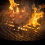 Steaks in Flammen